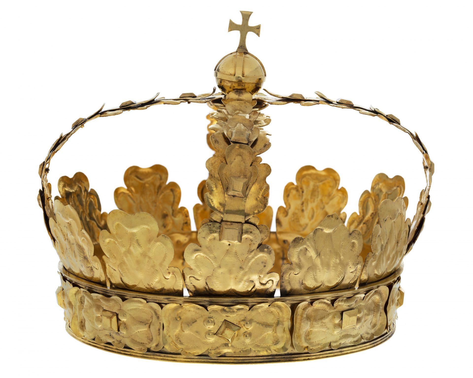 Gold-colored crown. Karl X Gustav's funeral crown.
